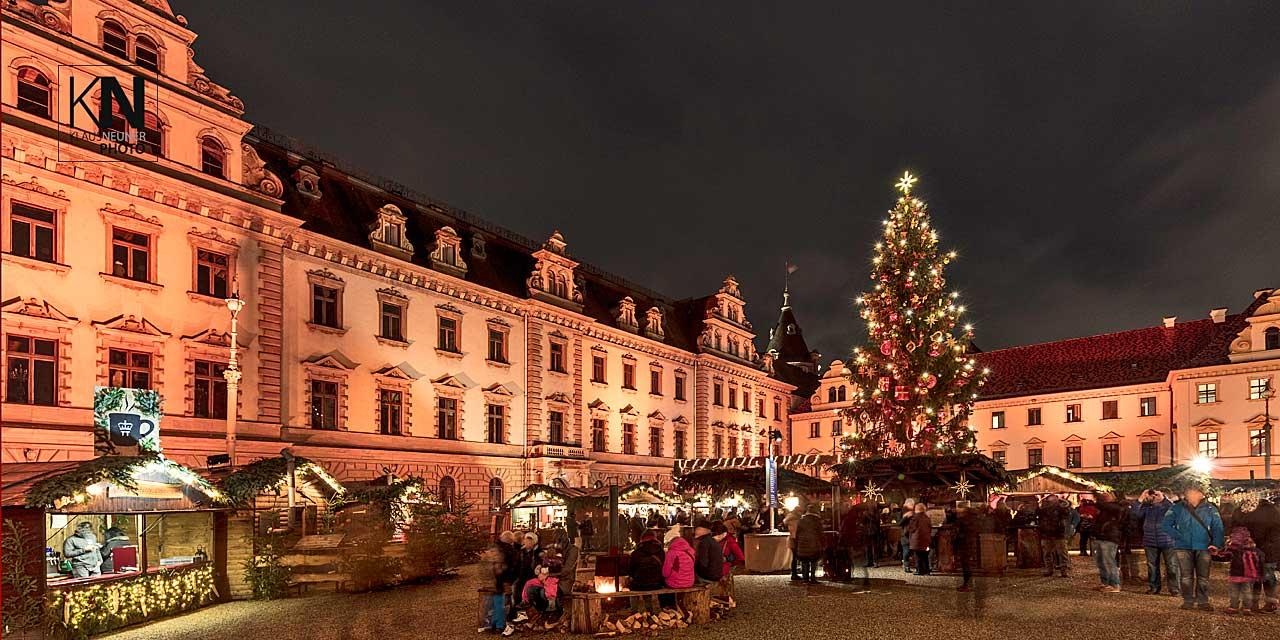 Weihnachtsmarkt Regensburg Schloss